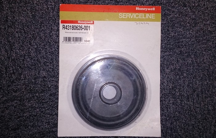 R43180626-001 Diaphragm + Sleeve